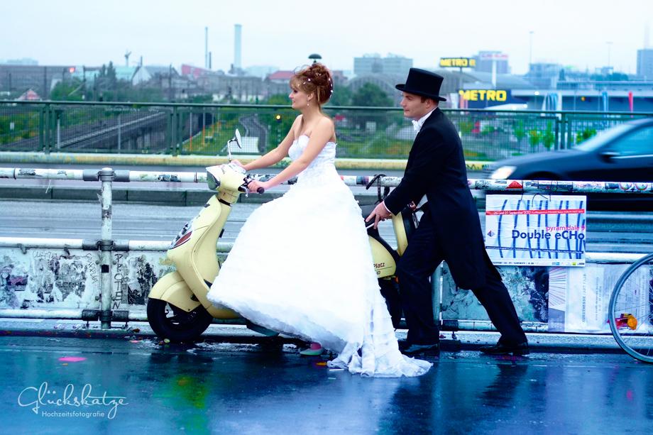 hochzeitsfotos regen berlin wedding rain glückskatze