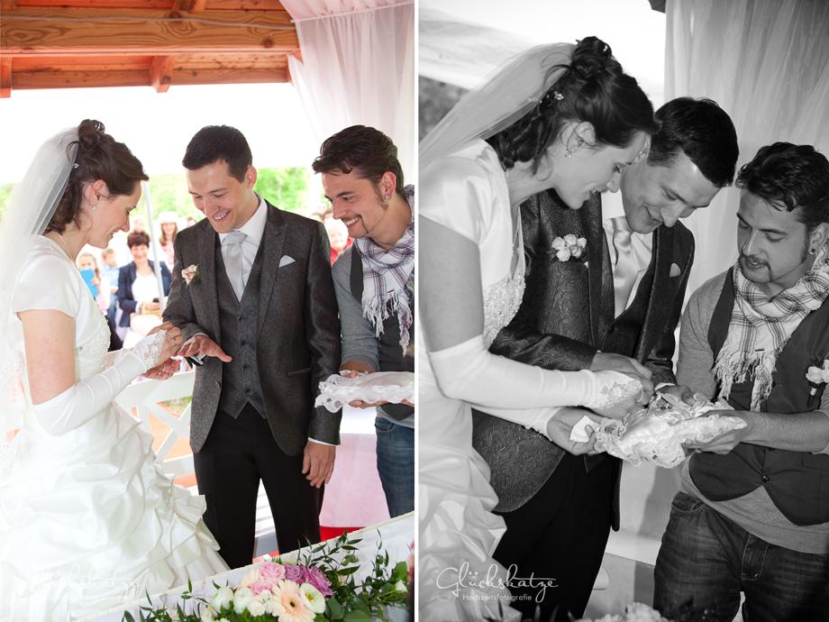wedding ring exchange ceremony photography
